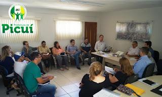 Em primeiro dia de trabalho Olivânio Remígio se reúne com secretários municipais