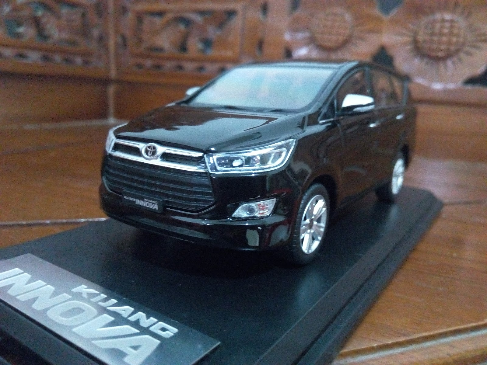 Diecast Grand New Avanza Pakai Pertalite Kijang Innova 2016 Miniatur Mobil Toyota