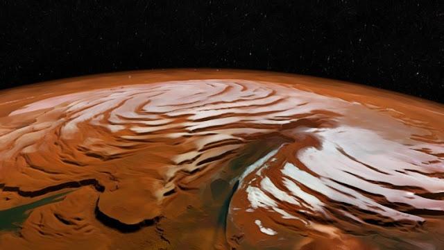 Encuentran agua líquida bajo el hielo de Marte