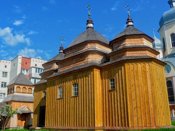 Моршин. Церковь Покрова Пресвятой Богородицы. 1700 г. УАПЦ