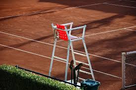 Wasit Tenis Lapangan