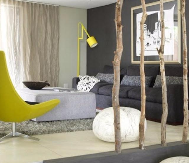 Sekat Ruangan Minimalis Alami Memakai Ranting Pohon