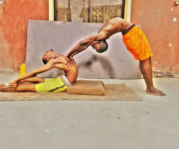 The flexibility on this Nigerian artiste is something else (photos)