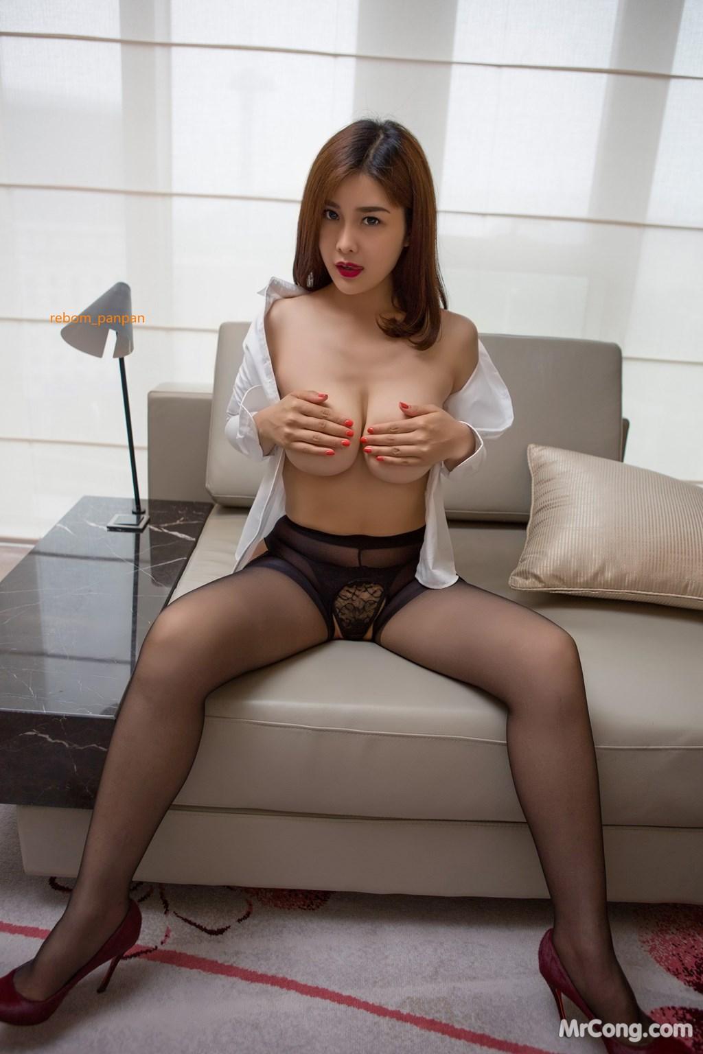 Image Yan-Pan-Pan-Part-4-MrCong.com-021 in post Người đẹp Yan Pan Pan (闫盼盼) hờ hững khoe vòng một trên giường ngủ (40 ảnh)
