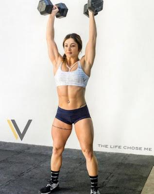 Celia Gabbiani lifting weights