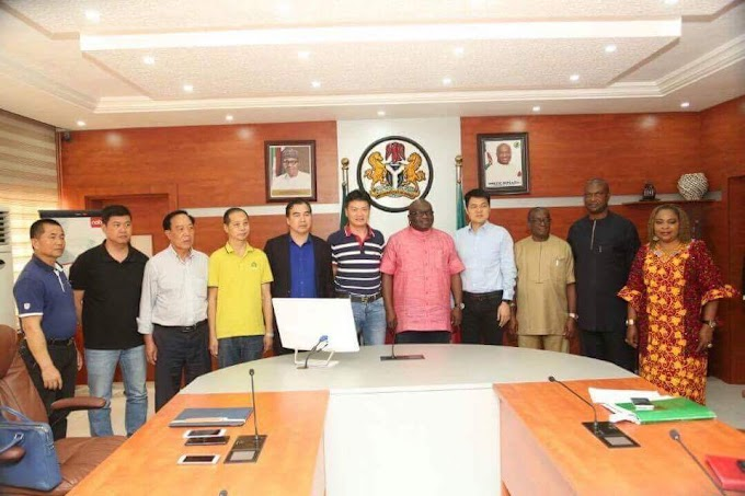Ikpeazu Recieves  Investors At Government House Umuahia