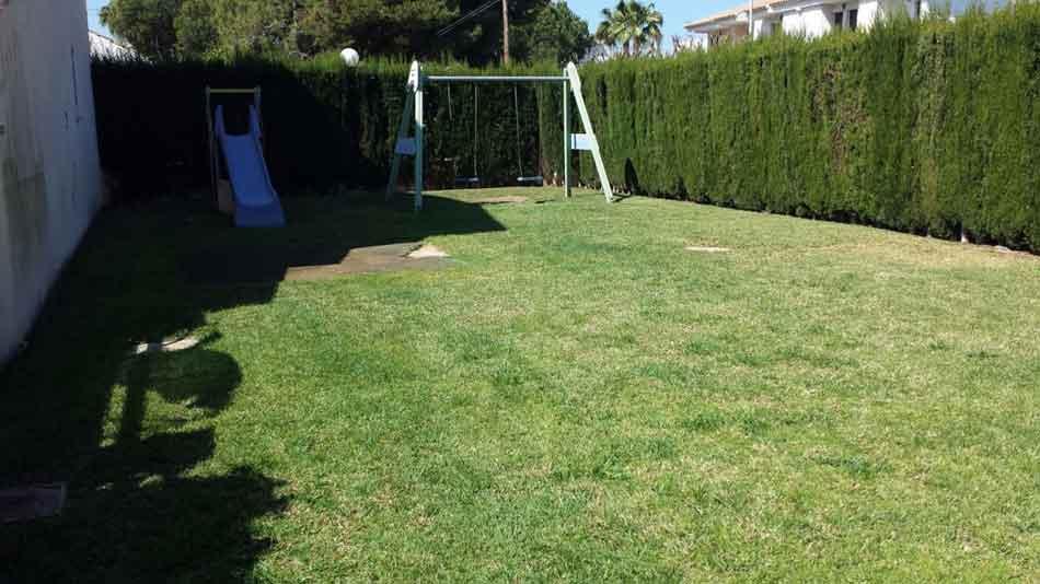 chalet adosado en venta benicasim calle doctor fleming jardin