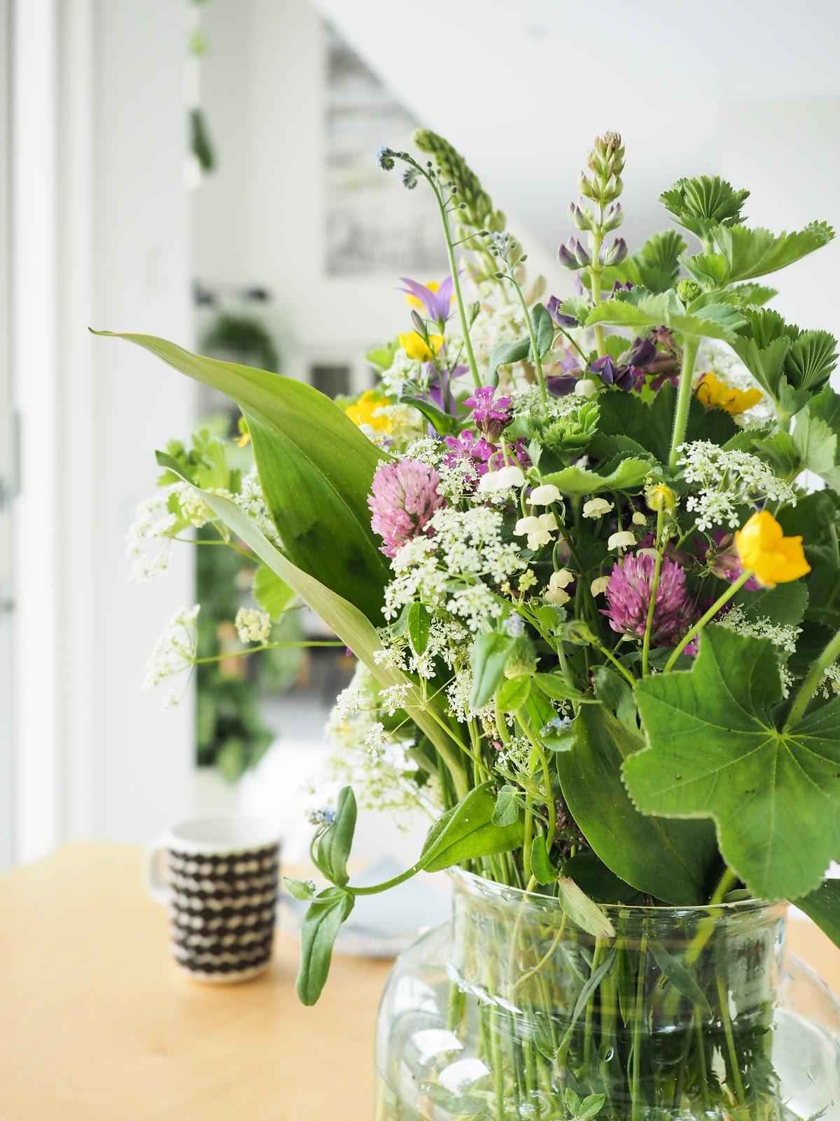kesäkukkia, kukkakimppi, kaunis kukkakimppu