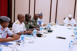 Buhari:  Meeting with Service Chiefs at old Aso Rock office