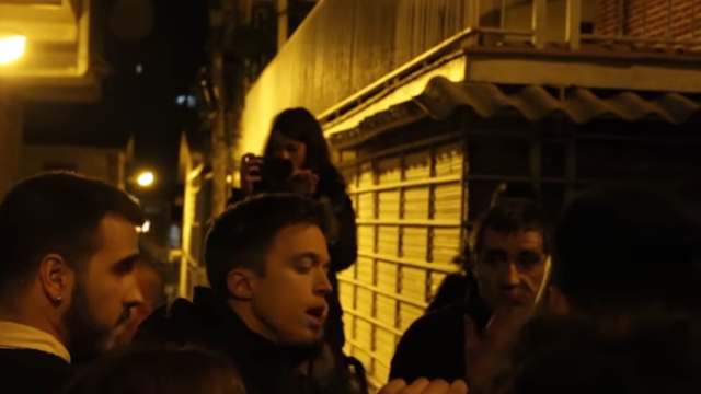 Errejón sufre un escache de la Juventud Frente Obrero en Hortaleza