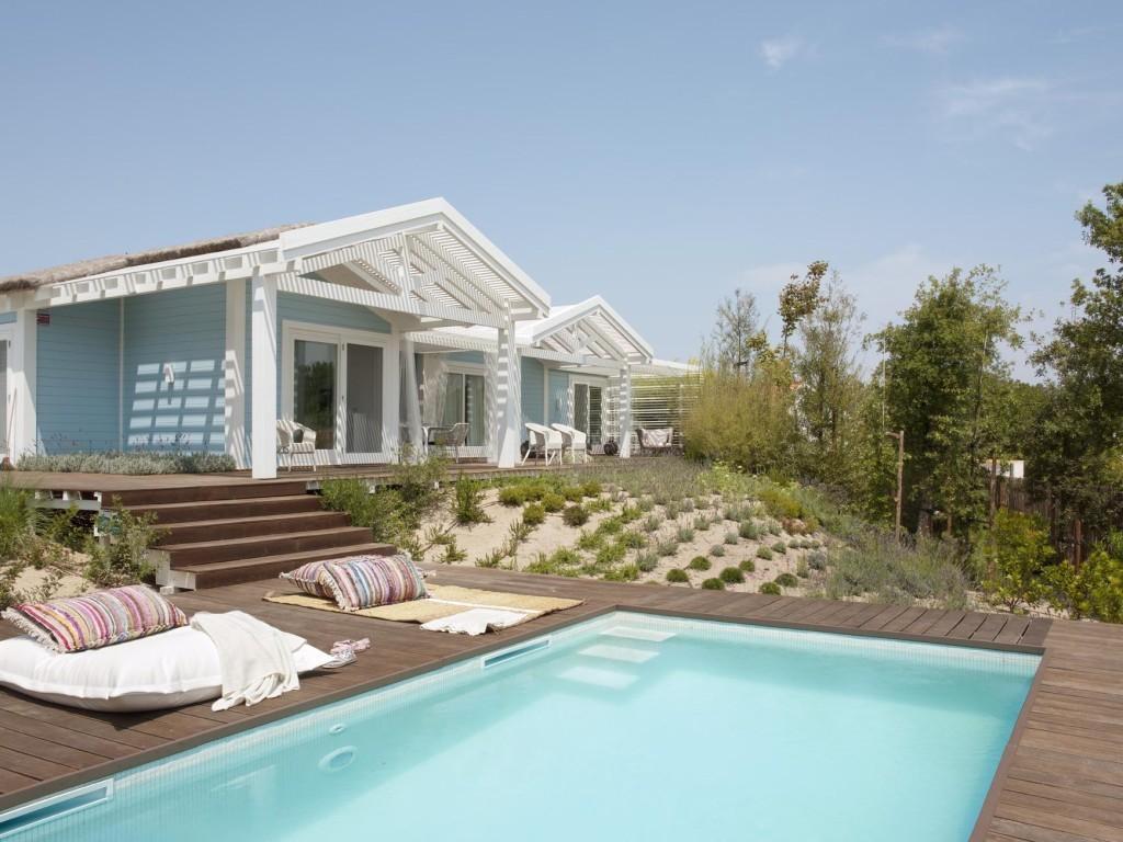 Decordemon beach retreat in comporta portugal for Design hotel comporta