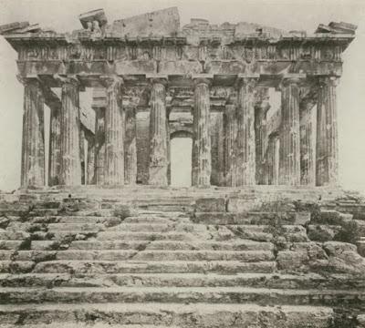 Η βόμβα του Μοροζίνι καταστρέφει τον Παρθενώνα το 1687