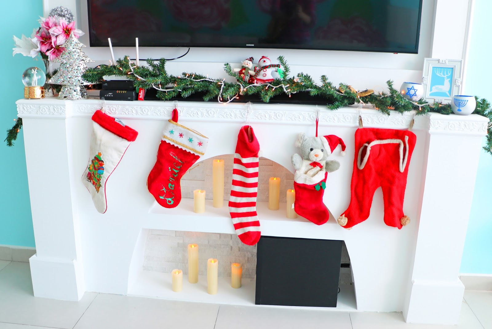 Christmas mantelpiece decor