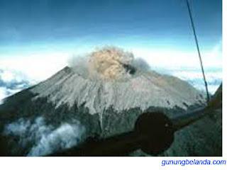 Gunung Raung Berada di Banyuwangi, Jawa Timur