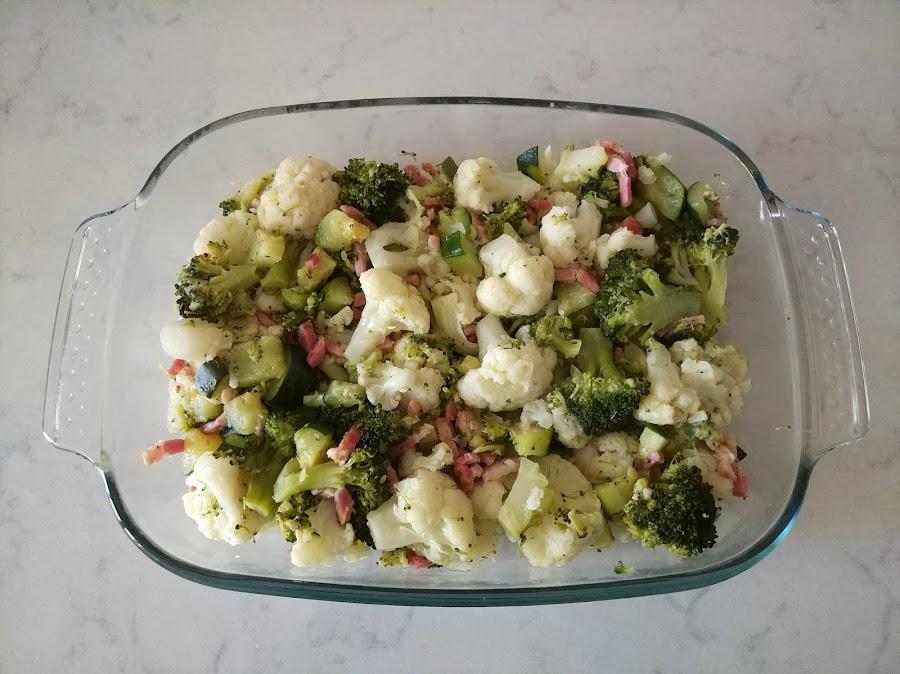 Verduras en bandeja para horno