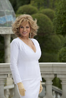Raquel Welch in How to be a Latin Lover (45)