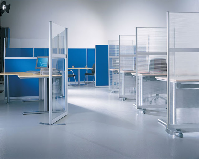A glass partition divides the workplaces perfectly