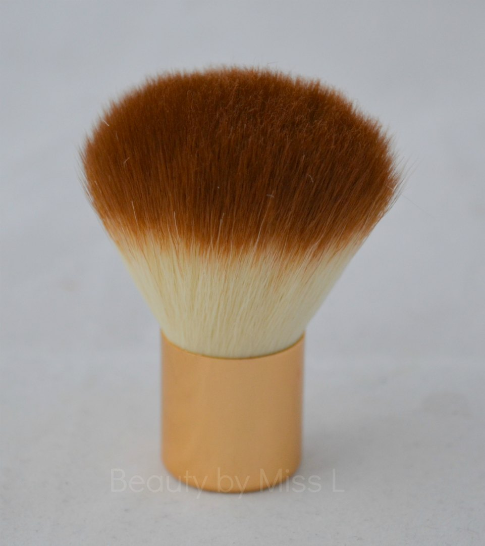 Nylon Professional Studio Makeup Loose Powder Blush Brush