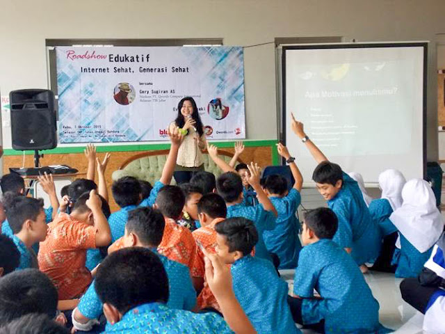 Kelas Creative Writing di Roadshow Edukatif Blog Vaganza