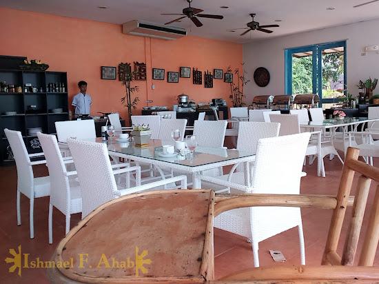 Restaurant in Microtel Palawan, Puerto Princesa