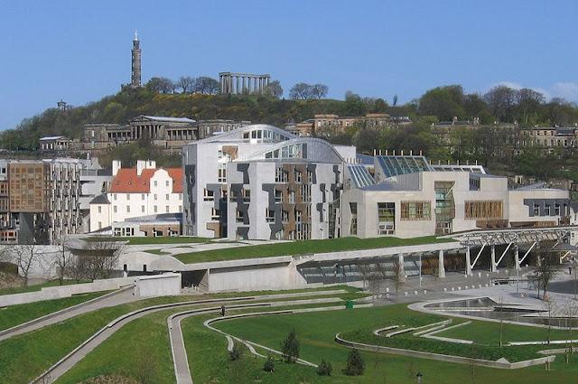 Что посмотреть в Эдинбурге бесплатно: Парламент Шотландии
