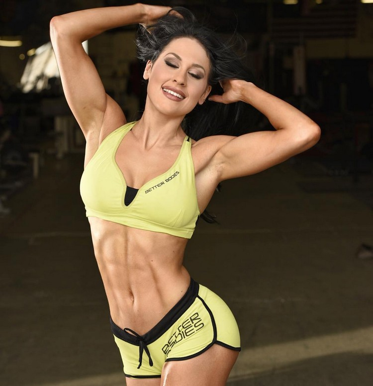 IFBB Pro Bikini Competitor Ashley Kaltwasse