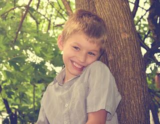 Gangguan Perkembangan, Jenis, Penyebab Autisme, Terapi dan Pola Asuh Orang Tua Bagi Anak Autis