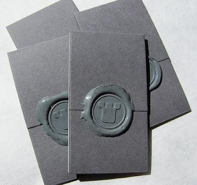 Tarjeta de presentación con sello cera