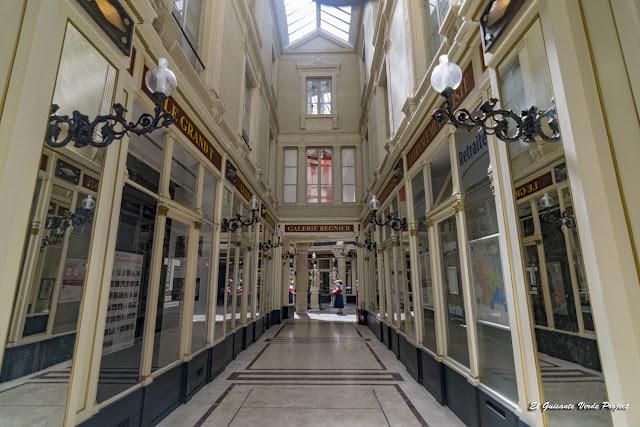 Pasaje Pommeraye, corredores - Nantes, Francia por El Guisante Verde Project