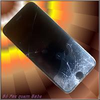 Foto de um iPhone 6 da Apple com a tela toda rachada