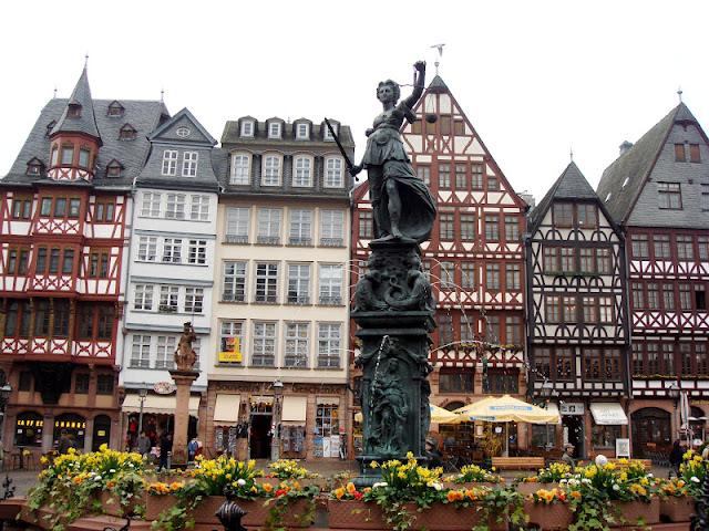 travel adventures frankfurt am main a voyage to frankfurt am main germany europe. Black Bedroom Furniture Sets. Home Design Ideas