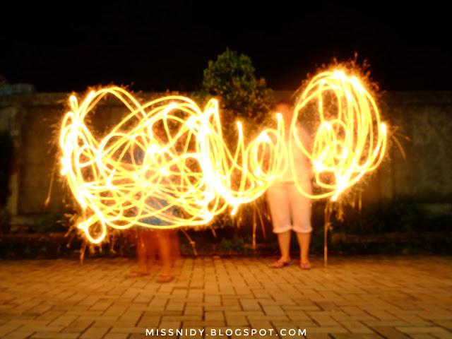 main kembang api