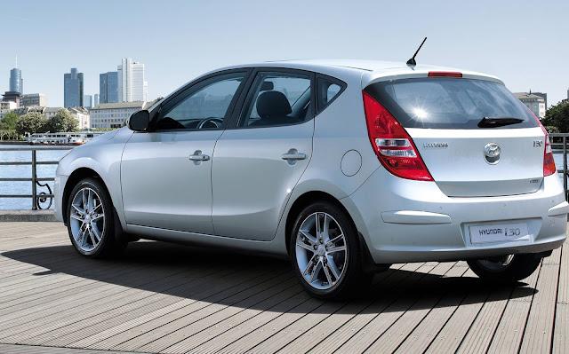 Hyundai i30 2012 - hatch médio