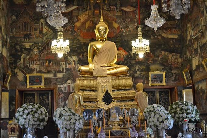 Złota farba i kolorowe szkiełka, czyli świątynie Bangkoku