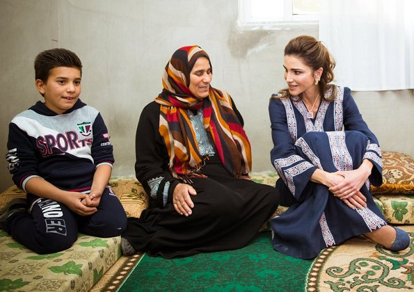 Queen Rania of Jordan wears Basmet Al-Khair Charitable Society' traditional Jordanian dress. Queen Rania wore Talitha Salma embroidered dress