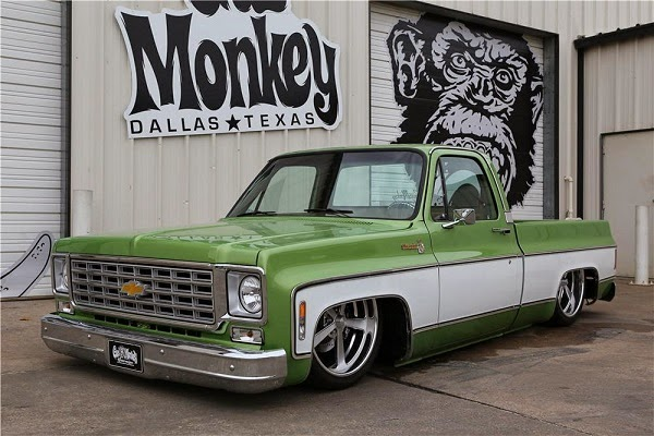 Gas Monkey Chevrolet C-10 pick-up