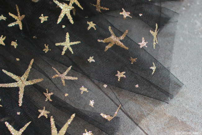 日本人ファッションブロガー,Mizuho K,NEW IN-オフショルダー星柄メッシュチュニック, ギンガムチェック フリルラップ風ミニスカートfrom CHICWISH