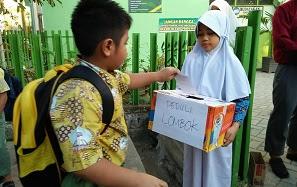 Kegiatan Donasi Peduli Gempa Lombok Oleh Siswa SDIT Ikhtiar Makassar