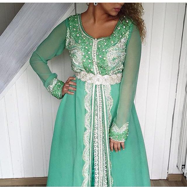 Vente Caftan Marocain en Ligne 2017   Boutique vente location caftan ... 4a3b21e03e6