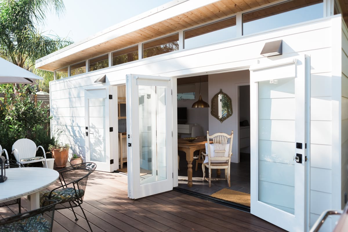 Modern Tiny House: TINY HOUSE TOWN: Modern California Guesthouse (364 Sq Ft