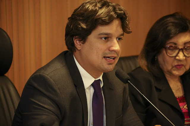 Deputado Lucas Ramos apresenta balanço da comissão de administração pública da Alepe