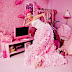 Woman obsessed with pink named the World's PINKEST Person |Photos