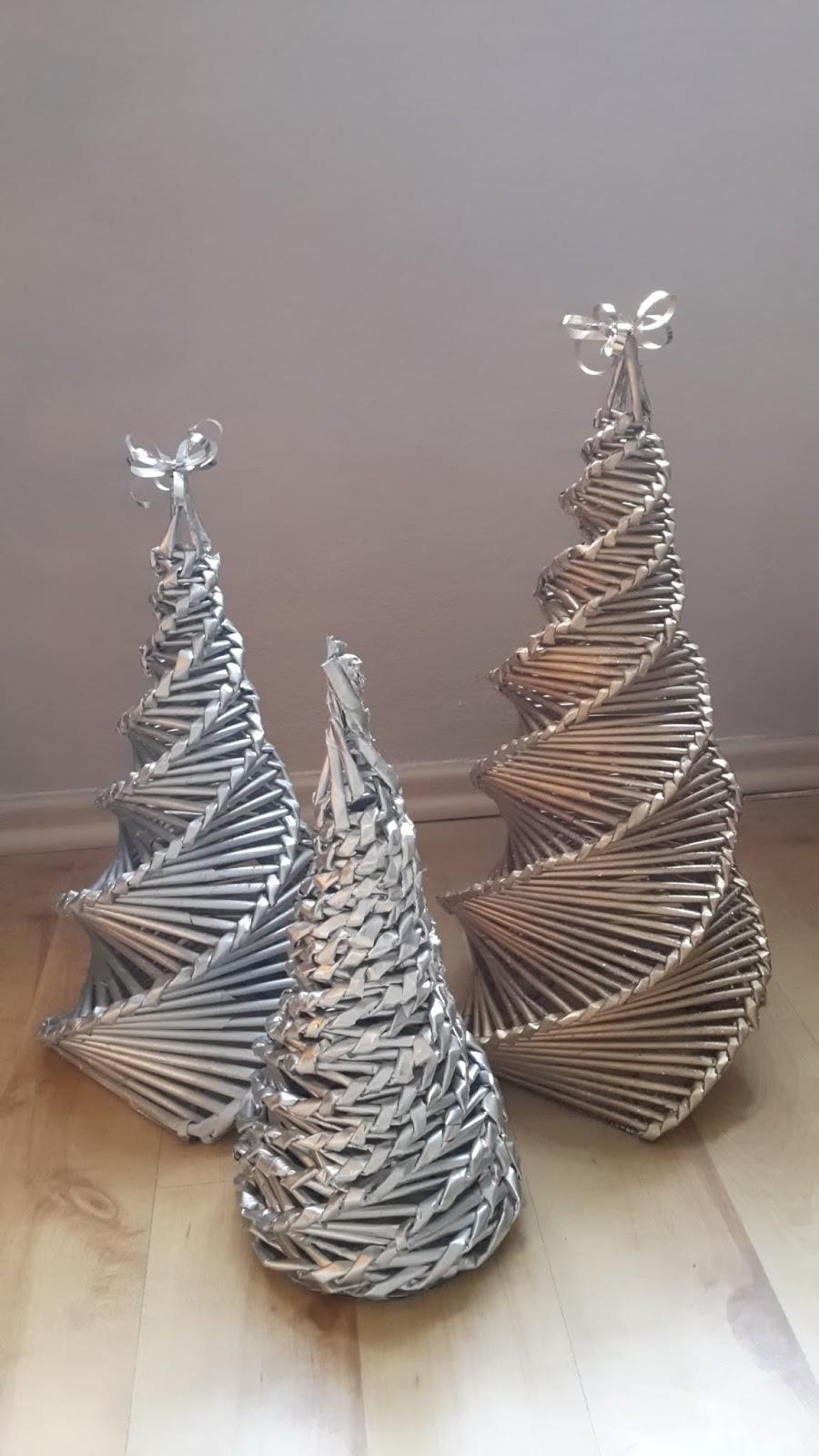 weihnachtsbaum aus zeitungsr llchen last minute geschenke mary 39 s kreativ blog. Black Bedroom Furniture Sets. Home Design Ideas