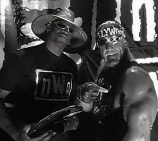 WCW Bash at the Beach 1997 - Dennis Rodman & WCW Champion Hollywood Hulk Hogan