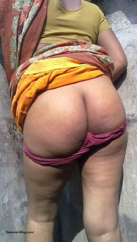 Indian Bangla shy bhabhi shows big nude ass