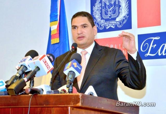 Miguel Medina renuncia de Educación y será jefe de campaña de Andrés Navarro