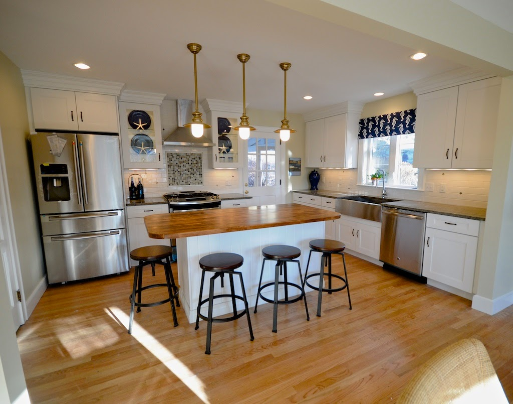 SoPo Cottage: The Beach Cottage - Reinventing a 1940's Cape Cod on