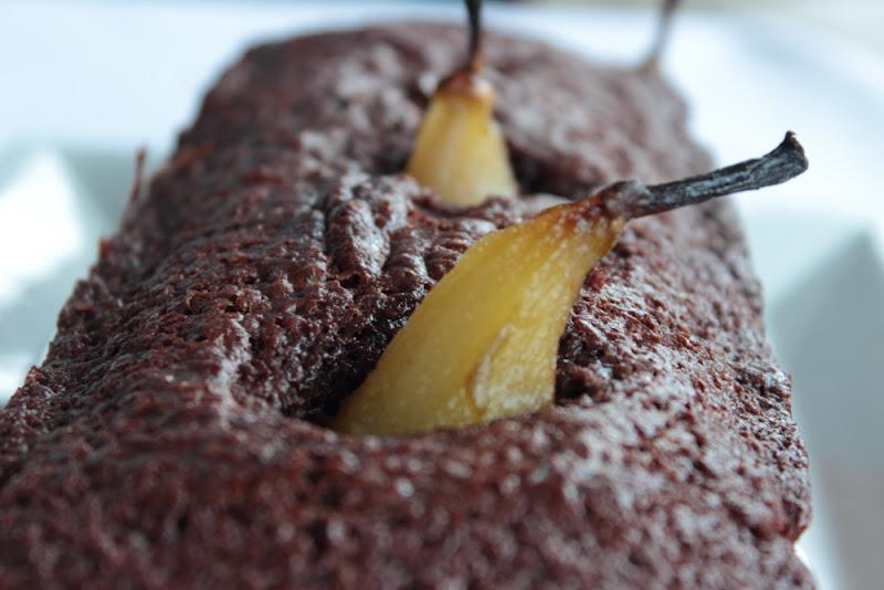 Bizcocho de chocolate con pera