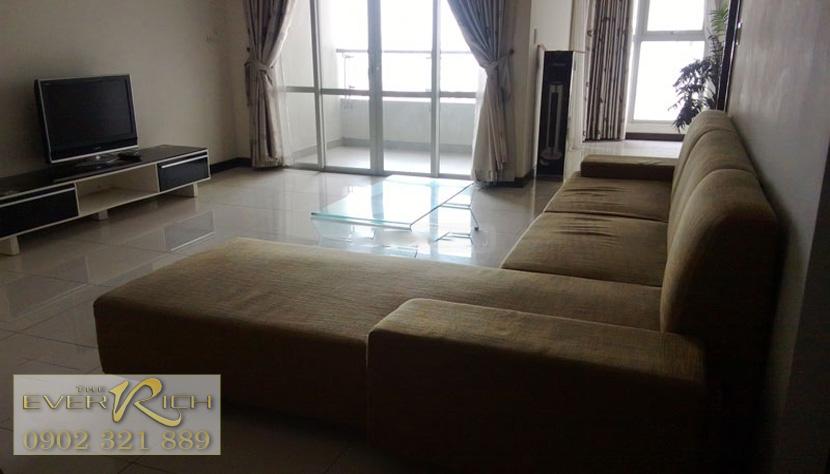 Căn hộ Everrich Quận 11 cho thuê  - sofa màu nâu phòng khách