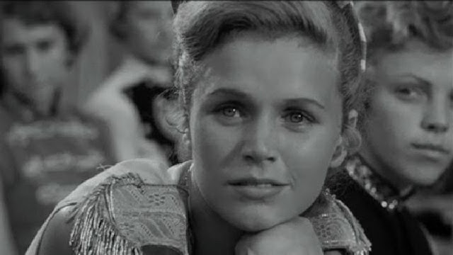 Lee Remick as sexy Southern majorette, in A Face in the Crowd, Directed by Elia Kazan
